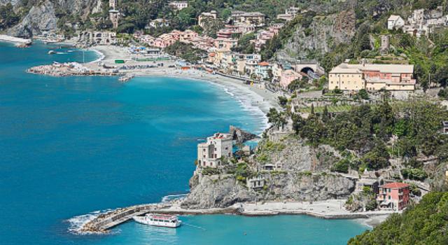 Monterosso al mare cinque terre guida vacanze monterosso for Appart hotel 5 terres