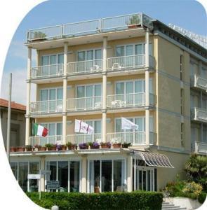 Savoy Hotel ***