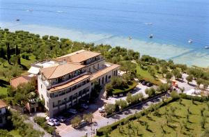 Hotel Ideal * * * * Sirmione