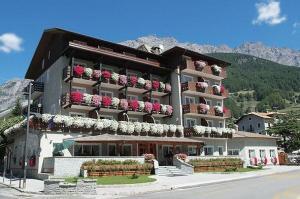 Hotel Baita Dei Pini * * * *Valtellina